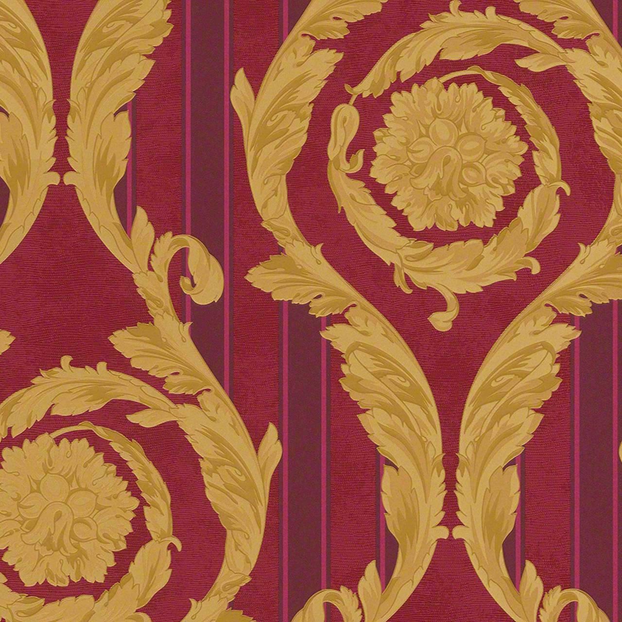 Gestreifte Mustertapete mit goldenen Arabesken