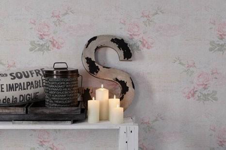 Romantische Tapete im verspielten vintage Look